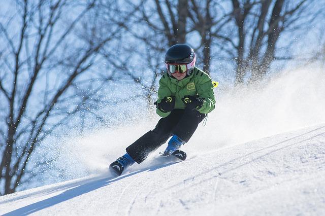 冬 雪 滑る