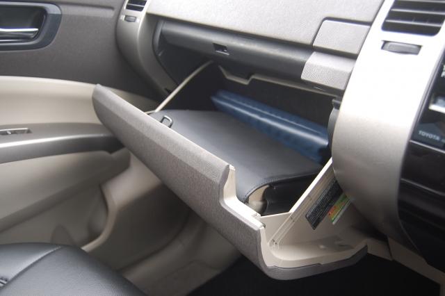 グローブボックス 車検証 車検証入れ