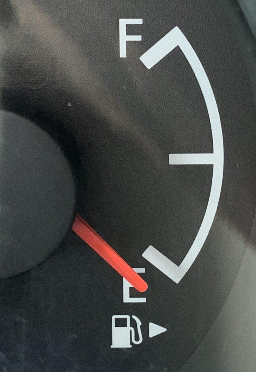 給油口 左右 矢印